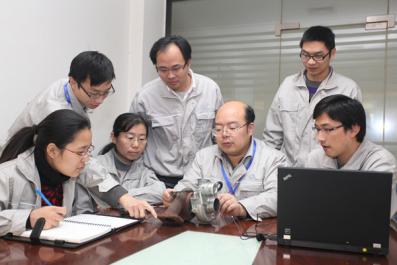 """中国首个自主研发DPF柴油发动机问世 一汽锡柴成""""蓝天卫士"""""""
